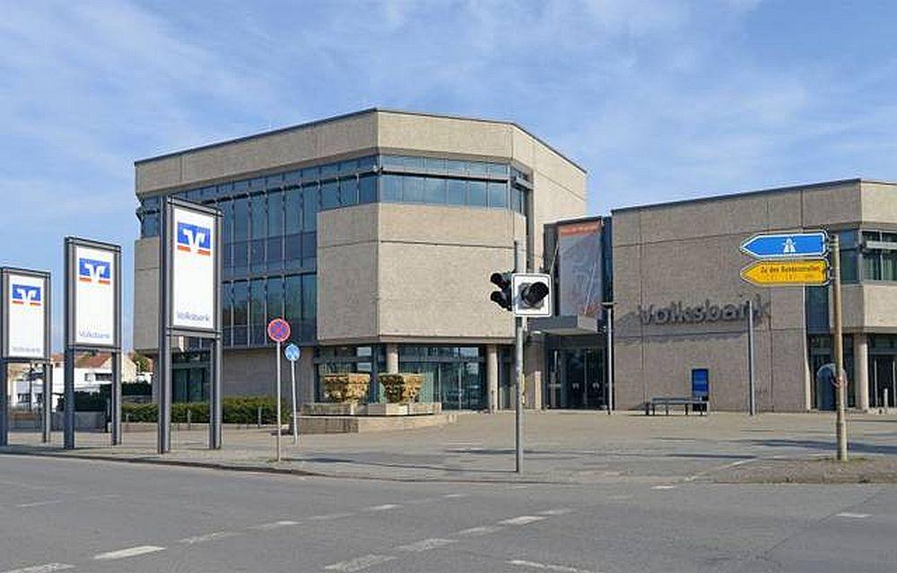 Volksbank verkürzt ihre Öffnungszeiten