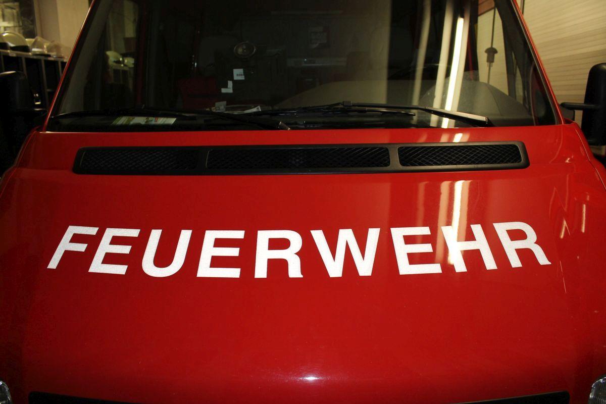 Feuerwehren bekämpfen Schornsteinbrand