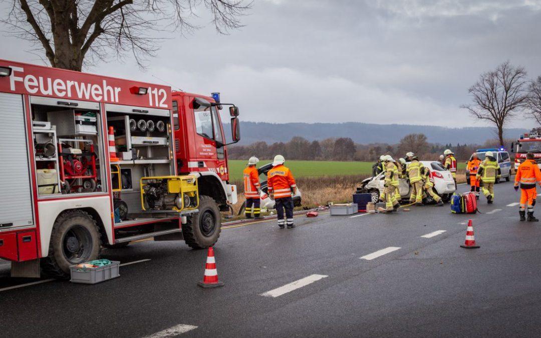 Vier Personen bei schwerem Unfall verletzt