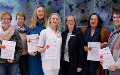 DRK bildet sechs ehrenamtliche Hospizdienstbegleiterinnen aus