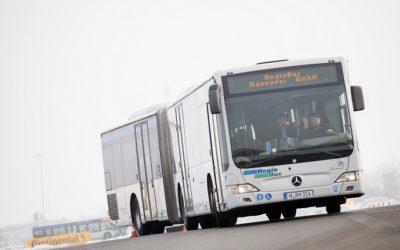 Busse fahren wieder durch die Wallstraße