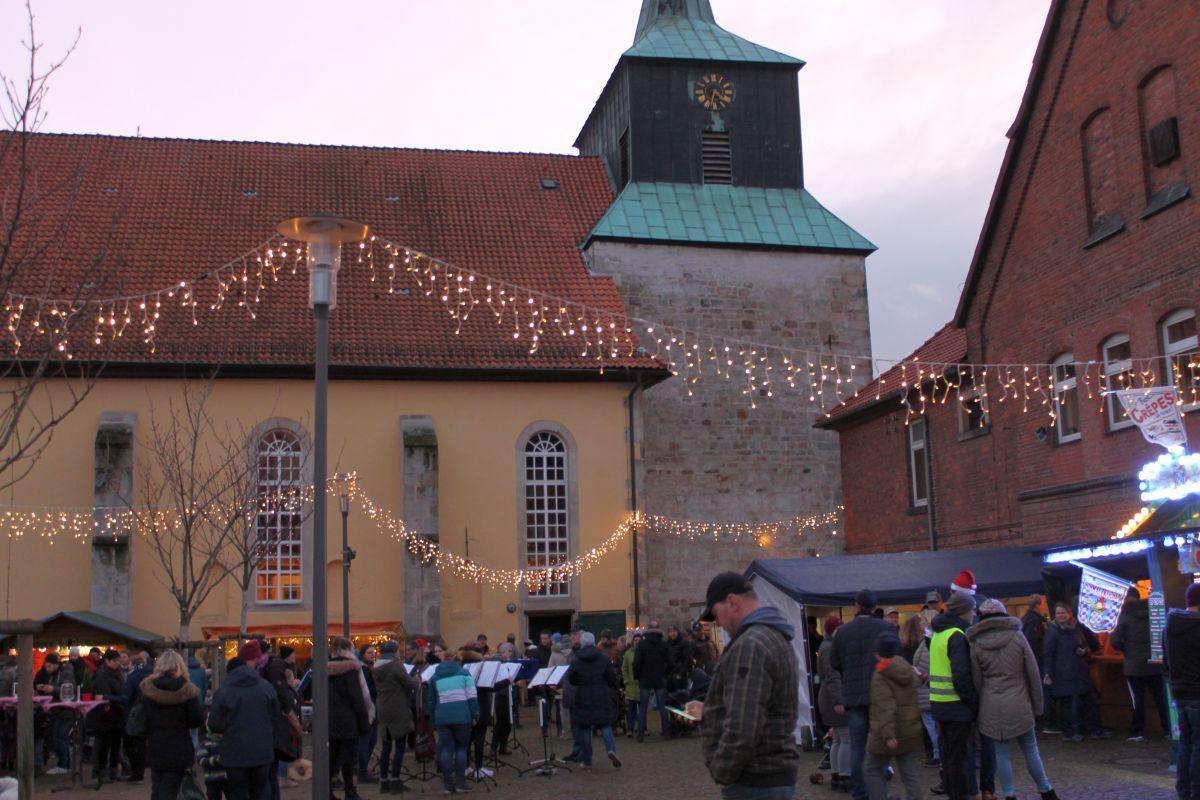Gemütlicher Weihnachtsmarkt in Eldagsen
